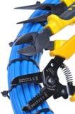 Hjälpmedel och kabel för elektrisk installation fotografering för bildbyråer