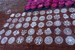 Hjälpmedel: Runda plattor för snabb rangoli/Kolam royaltyfri foto