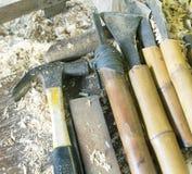 Hjälpmedel som används med roterande trä på en drejbänk Royaltyfri Fotografi