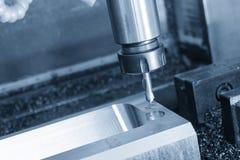 Hjälpmedlet för mittdrillborr på CNC-malningmaskinen Royaltyfri Bild