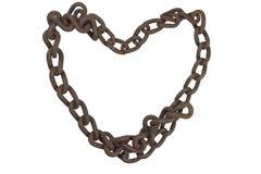 Hjärta av den rostiga kedjan Den gamla rostiga järnkedjan vek in i formen av en hjärta Royaltyfria Bilder