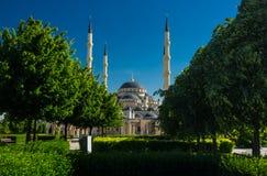 Hjärta av den Tjetjenien moskén i Grozny Arkivbild