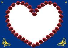 Hjärta av röda rosor med blå bakgrund Royaltyfri Fotografi