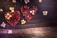 Hjärta av torkade blommor Arkivbilder