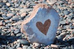 Hjärta Bild på en sten Royaltyfria Foton