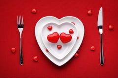 hjärta för gåvan för dagen för begreppet för den blåa asken för bakgrund isolerade begreppsmässig valentiner för quill för smycke Royaltyfria Bilder