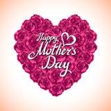 Hjärta för rosa färgrosmors dag som göras av purpurfärgade rosor på vit bakgrund Arkivbilder