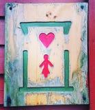 Hjärta för tecken för wc för toalettteckenkvinnor Royaltyfri Foto