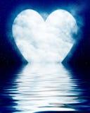 Hjärta formad moon reflekterad i hav stock illustrationer