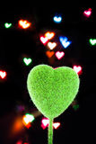 Hjärta-formad objekt- och suddighetsbakgrund Royaltyfri Fotografi
