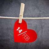 Hjärta formad valentin dagkort med meddelandet Royaltyfri Bild