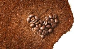 Hjärta formade kaffebönor Fotografering för Bildbyråer