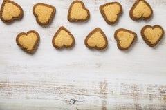 Hjärta-formade kakor för dag för St-valentin` s Fotografering för Bildbyråer