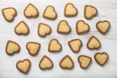 Hjärta-formade kakor för dag för St-valentin` s Royaltyfri Foto