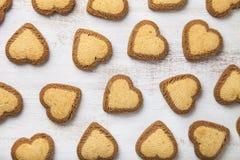 Hjärta-formade kakor för dag för St-valentin` s Arkivbild