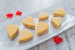 Hjärta formade ostsmörgåsar Royaltyfri Fotografi