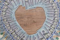 Hjärta från oss dollar Royaltyfri Foto