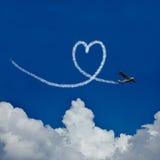 Hjärta i himmel som symbolet för förälskelse Royaltyfri Foto