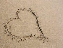 Hjärta i sand Fotografering för Bildbyråer