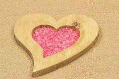 Hjärta i sanden. Royaltyfri Bild