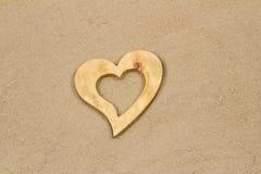 Hjärta i sanden. Royaltyfria Foton