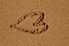 Hjärta i sanden Royaltyfri Foto