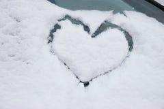 Hjärta i snowen Royaltyfri Foto