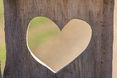 Hjärta i trä Arkivfoto