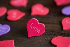 Hjärta med ordförälskelsen Fotografering för Bildbyråer