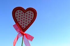 Hjärta med pilbågen Fotografering för Bildbyråer