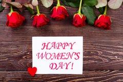 Hjärta och rosor för dag för kvinna` s arkivbilder