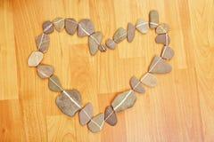 Hjärta som göras av stenar Arkivbilder