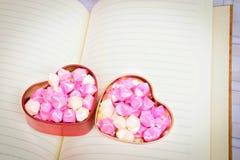 Hjärtaförälskelse för bakgrund Arkivbilder