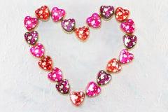 Hjärtaform av färgrika hjärtamodeller Royaltyfri Foto