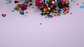 Hjärtakonfetti blåser bort lager videofilmer