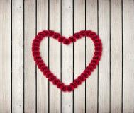 Hjärtaram från röd ros Royaltyfria Foton
