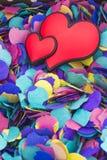 Hjärtor på colorfullbakgrund Royaltyfria Bilder