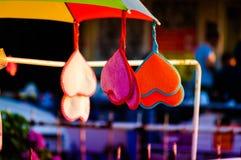 Hjärtor på ett paraply Arkivbild