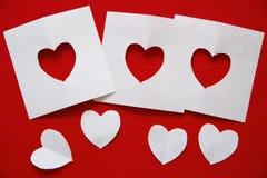 Hjärtor som göras av papper för valentin dag Royaltyfria Bilder