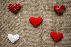Hjärtor som göras med händer Royaltyfria Bilder