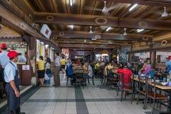 HJ Samuri es el restaurante satay famoso en la ciudad de Kajang y está situado apenas al lado de la estación del MRT foto de archivo libre de regalías