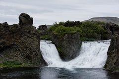 Hjalparfoss em Islândia sul, Europa Imagem de Stock