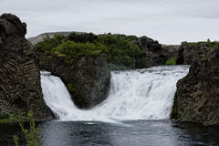 Hjalparfoss i södra Island, Europa Royaltyfri Bild