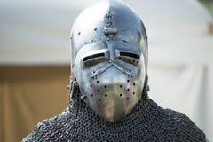 Hjälm av den medeltida riddaren Arkivbilder