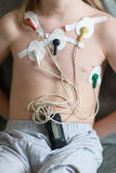 Hjärtakardiogram genom att använda Holter Fotografering för Bildbyråer