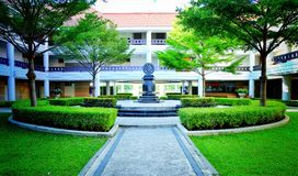 Hjul av det livThamasat universitetet royaltyfri bild