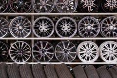 hjul för legeringsbilvägg Royaltyfri Fotografi