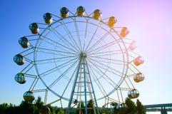 hjul för sky för park för ferris för munterhetbakgrund blått fotografering för bildbyråer