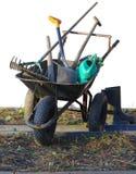 Hjul med trädgårdhjälpmedel royaltyfria bilder