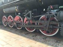 Hjulen av ångalokomotivet Arkivfoton
